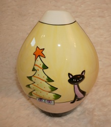 Lorna Bailey Christmas  Oval Vase Pink Cat - Limited Edition